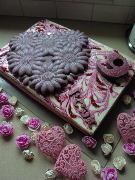 עוגת יום הולדת לנכדתי אביגיל_מתכון של שלומית שחר