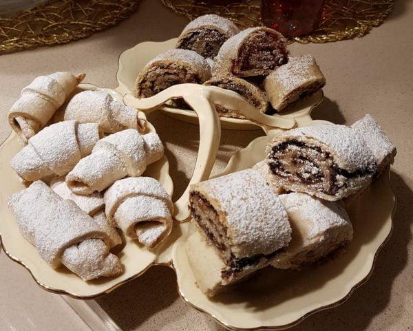 """מגולגלות במליות שונות …לוקום """"חאלקום"""", קרם עוגיות ,תמרים ואגוזים_מתכון של נורית יונה"""