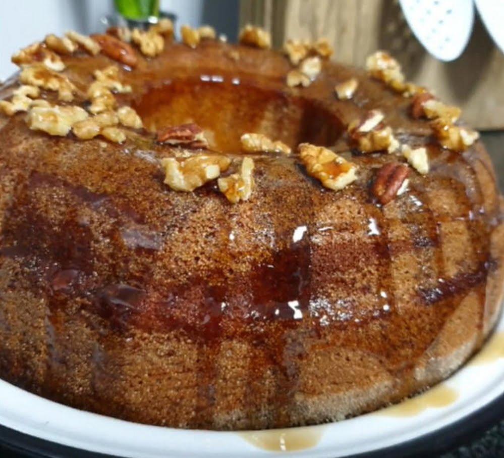 מתכון כתוב + סרטון להכנת עוגת מייפל אגוזים בחושה וקלה להכנה_מתכון של תילי טובה