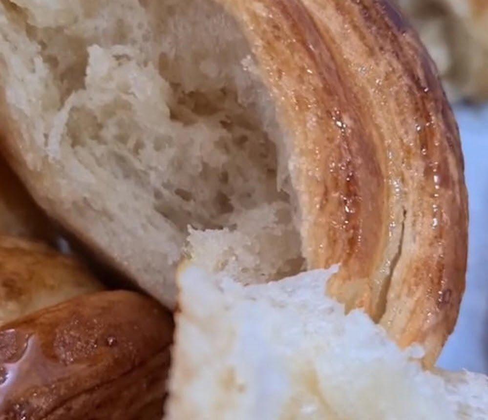 מתכון + סרטון המחשה להכנת קרואסון חמאה_מתכון של כרמלה שמואל