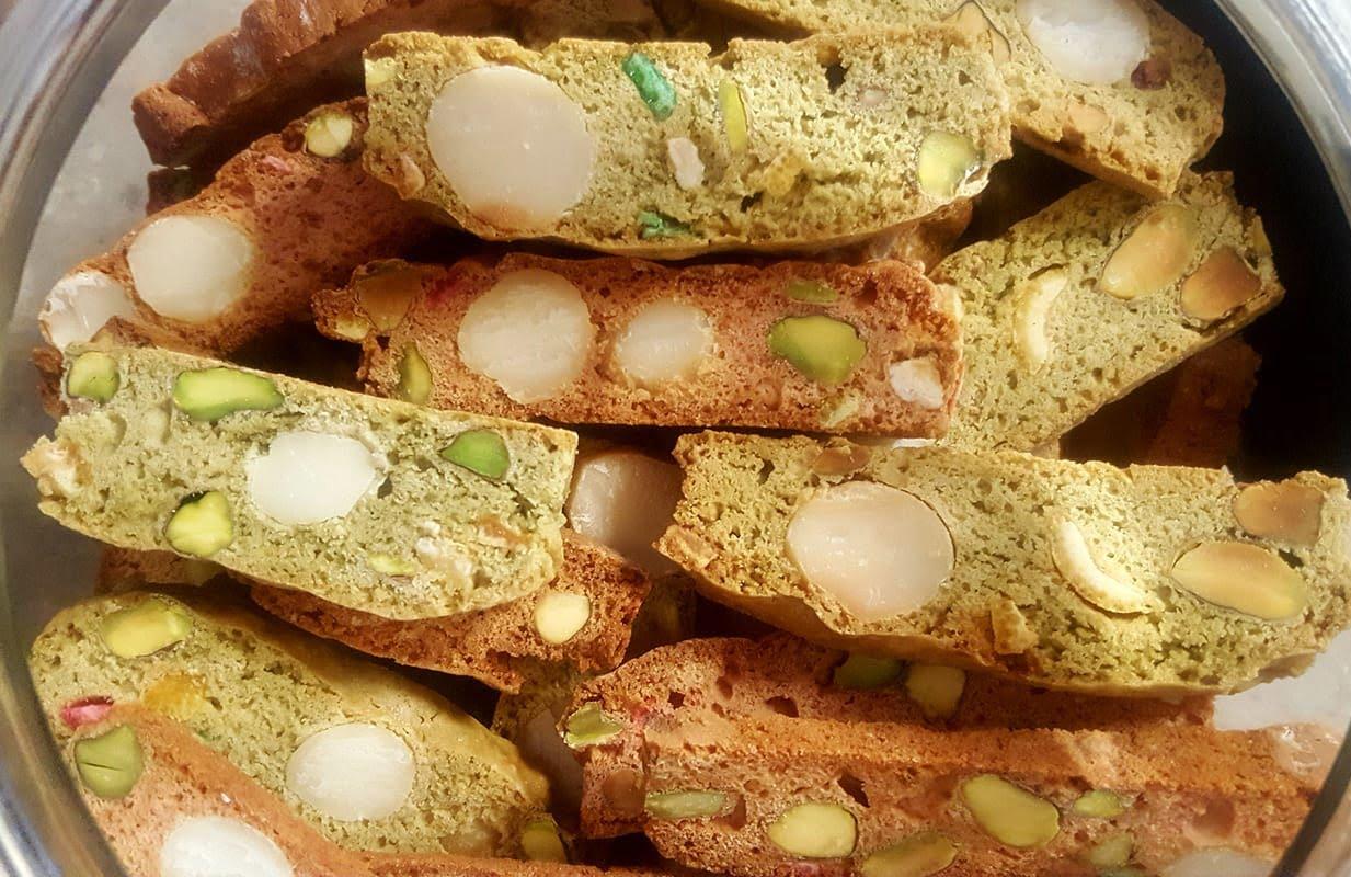 עוגיות ביסקוטים בטעמים:פיסטוק ודובדבנים_מתכון של עליזה ששון – מאסטר מתכונים