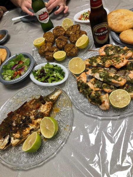 דג דניס+דג סלמון או קוביות סלמון+קבב דגים_מתכון של אילנה בוכריס