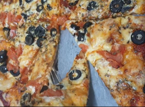 מתכון כתוב + סרטון להכנת פיצה מדהימה ,כשרה לפסח__מתכון של ירדנה ג'נאח – מאסטר מתכונים