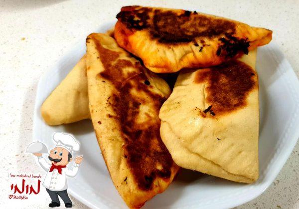 מאפה שמרים מ קמח נפלאות חיטה לבן, במילוי גבינות עם עשבי תיבול 🧈🧂מתכון של טלי כהן שטרלינג