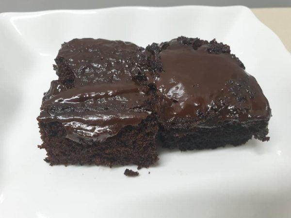 מתכון כתוב + סרטון המחשה להכנת עוגת שוקולד חמה וכדור גלידה ליד ❤__מתכון של ירדנה ג'נאח