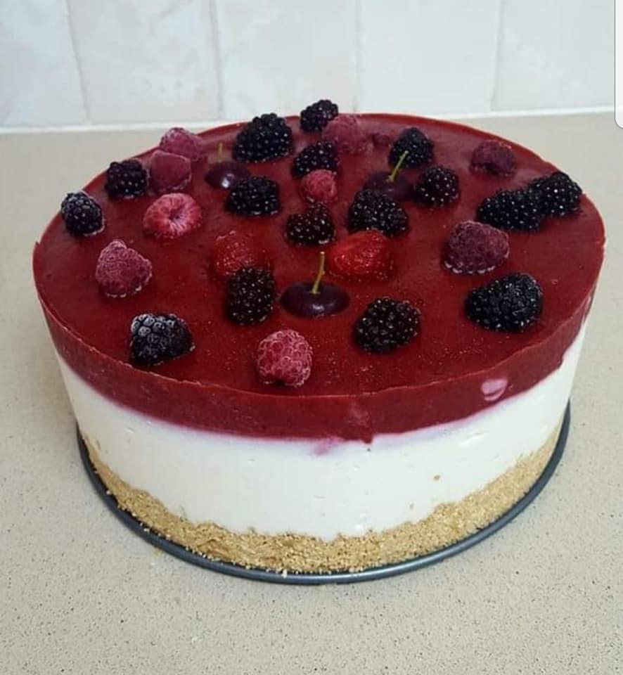 עוגת גבינה קרה עם פירות יער_מתכון של אבי אלמדוי
