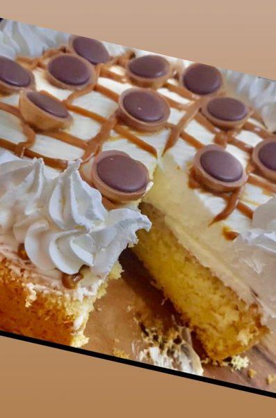עוגת טורט עם שמנת מתוקה ונגיעות ריבת חלב_מתכון של טובה ניסים