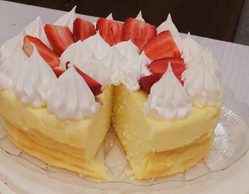 עוגת גבינה נימוחה עם קצפת ותותים🍓🍒⚘_מתכון של רוז טעים במטבח אוחנה