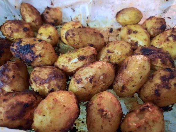 תפוחי אדמה קטנטנים ברוטב טעים ושמן זית בתנור…נחטפו_מתכון של גילה כהן אבני – מאסטר מתכונים