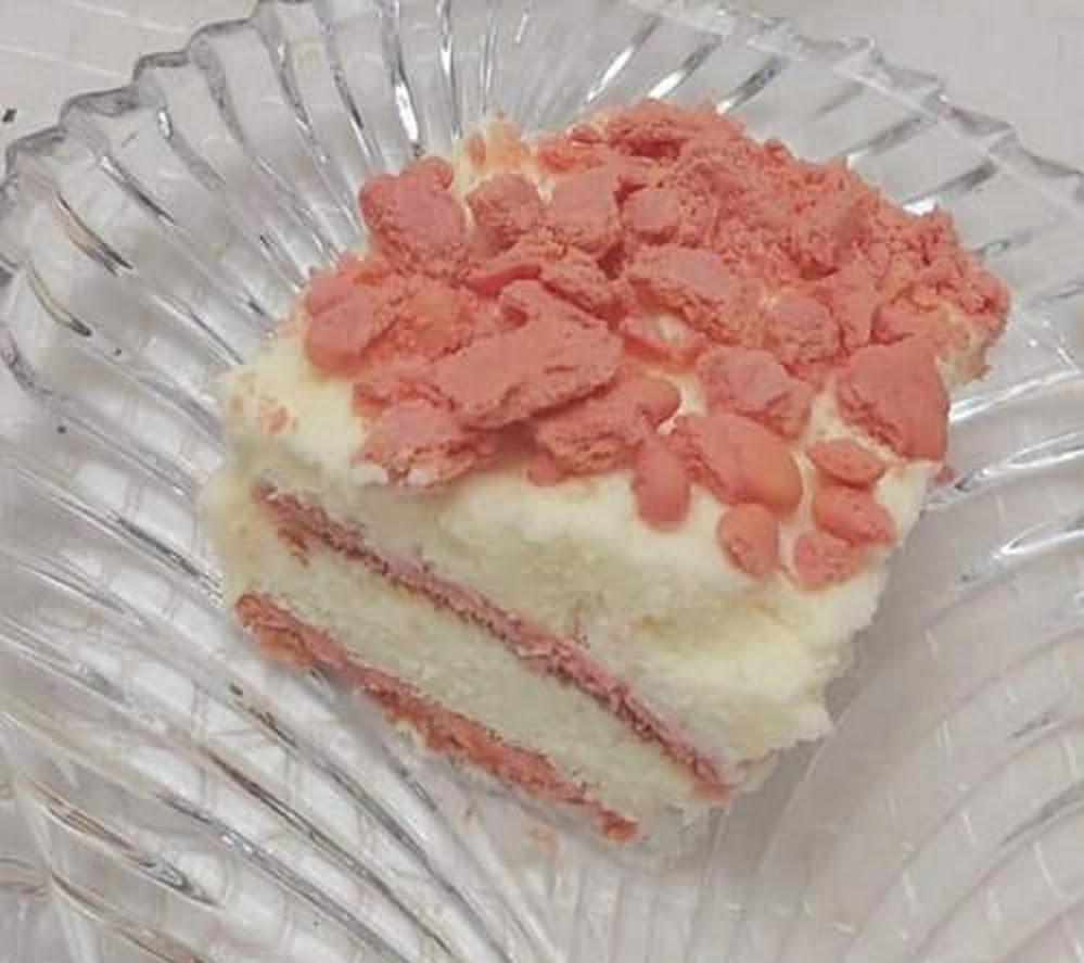 עוגת ביסקוויטים פתי בר בצבע ורוד בטעם פטל _מתכון של רוז טעים במטבח אוחנה – מאסטר מתכונים