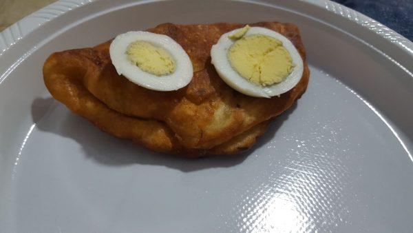 סמבוסק חומוס עם ביצה קשה מעל _מתכון  של מלכי מוספי – מאסטר מתכונים