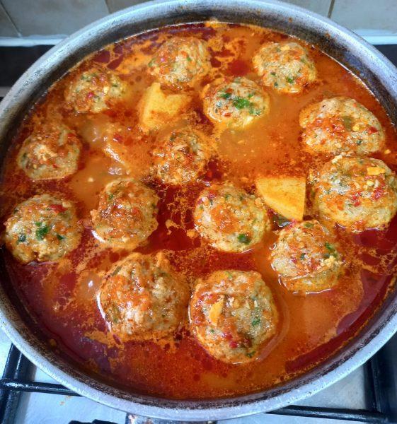 קציצות דגים ברוטב עגבניות 🐟🐟_מתכון של תהילה גיל – מאסטר מתכונים