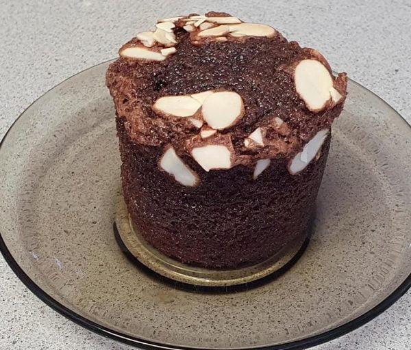 מאפינס שוקולד בקישוט פרוסות שקד_מתכון של יפה וקס-ברקו – מאסטר מתכונים