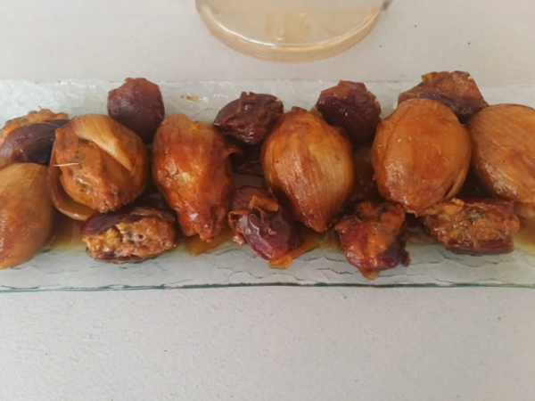 בצל ממולא עם תמרים בדבש_מתכון של אילנה בוכריס – מאסטר מתכונים