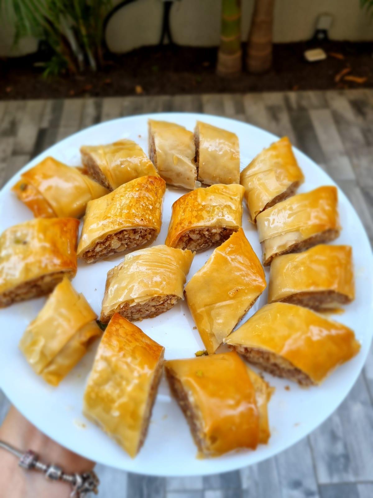 בצק פילו ממולא עם שקדים ואגוזים_מתכון של אילנה בוכריס – מאסטר מתכונים