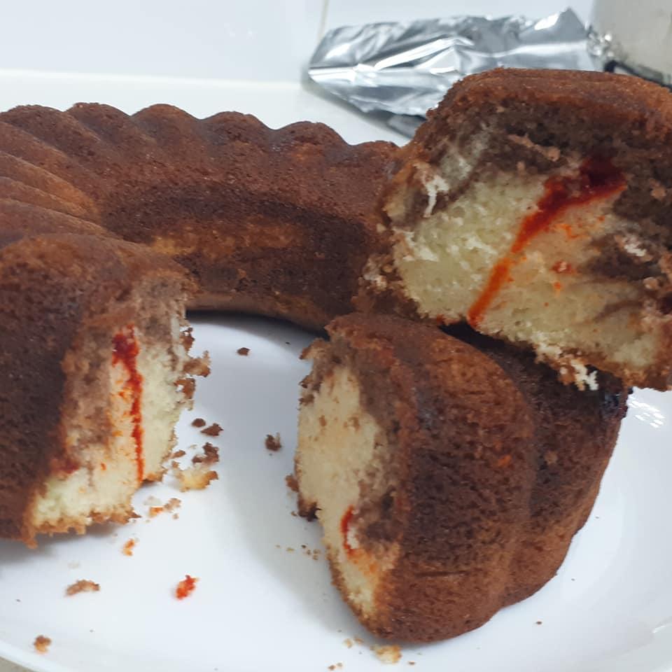 עוגת וניל  בחושה עם נגיעות רוטב משמש_מתכון של צופית בן יוסף – מאסטר מתכונים
